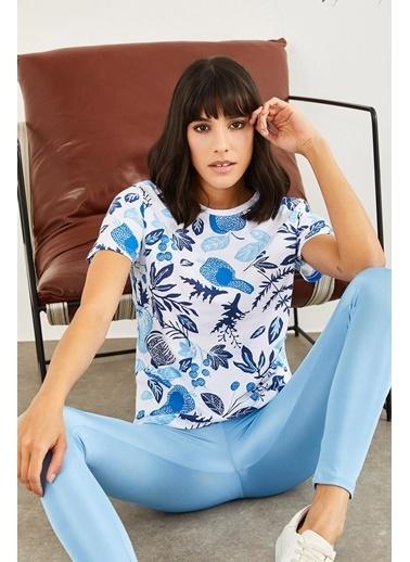 Sortee Kadın Kısa Mavi Çiçek Baskılı T-Shirt Siyah